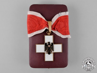 Germany, Third Reich. A Cased Social Welfare Decoration, I Class, by Godet