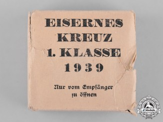 Germany, Wehrmacht. A Carton of Issue for a 1939 Iron Cross First Class