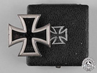 Germany, Wehrmacht. A 1939 Iron Cross, I Class, with Case, by B.H. Mayer