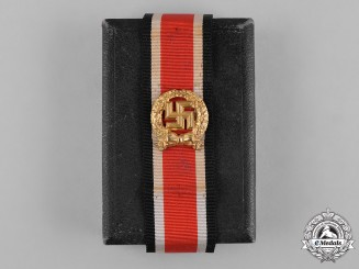Germany, Heer. A German Army Honour Roll Clasp with Case
