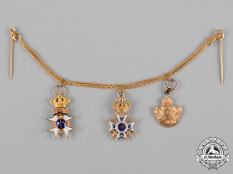 Sweden, Kingdom. A Fine Gold Miniature Military Award Chain, c.1925