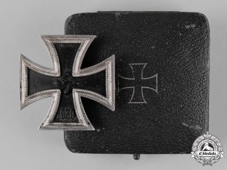 Germany, Wehrmacht. A 1939 Iron Cross I Class by Steinhauer & Lück with Case