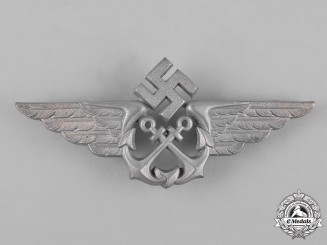 Germany, Kriegsmarine. A Kriegsmarine Naval Flight Cap Badge