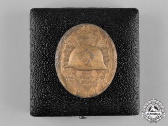 Germany, Wehrmacht. A Cased Wound Badge, Gold Grade, by Wilhelm Deumer