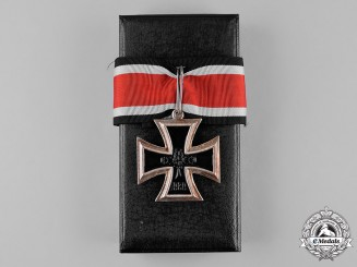 Germany, Wehrmacht. A Cased Knight's Cross of the Iron Cross, Post-1957 Reissue