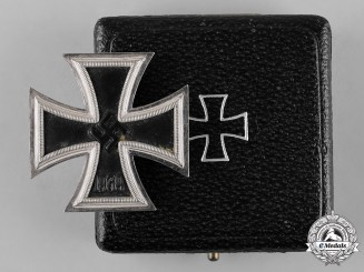 Germany, Wehrmacht. A Cased 1939 Iron Cross I Class by Wilhelm Deumer