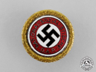 Germany. A NSDAP Golden Party Badge by Deschler & Sohn; Large Version
