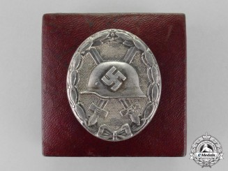 Germany. A Silver Grade Wound Badge by Carl Wild of Hamburg with Case