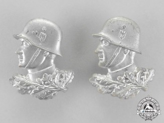 Germany. Two Second War Wehrmacht Heer (Army) Patriotic Badges