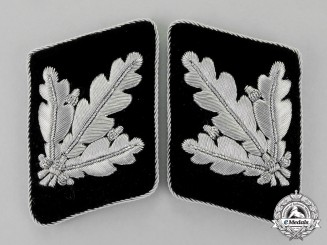 Germany. A Set of Mint SS-Brigadeführer Rank Collar Tabs; Second Pattern