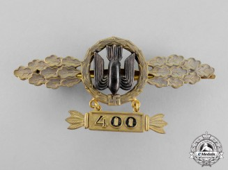 Germany. A Gold Grade Luftwaffe Squadron Clasp for Bomber Pilots with 400 Hanger