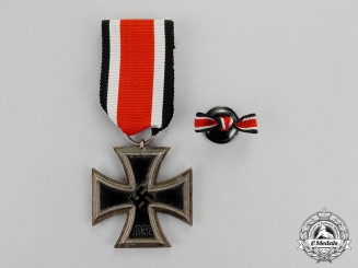 Germany. An Iron Cross 1939 Second Class and Boutonniere