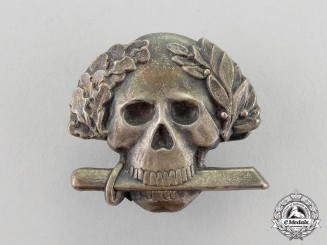 Italy. A Black Brigade Skull Badge