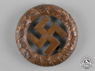 Germany, Third Reich. A 1933 Gau Munich Commemorative Badge by Deschler & Sohn