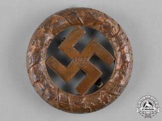 Germany, Third Reich. A 1933 Gau Munich Commemorative Badge by Deschler & Sohn