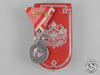 Austria, Imperial. A Military Merit Medal in Silver, with Case, by Láng Testvérek