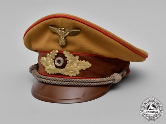 Germany, NSDAP. A NSDAP Gauleiter Level Visor Cap, c.1939
