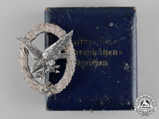 Germany, Luftwaffe. An Air Gunner & Radio Operator Badge in Case, by C.E. Juncker
