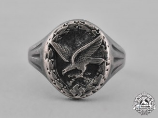Germany, Luftwaffe. A Radio Operator and Air Gunner's Badge Ring