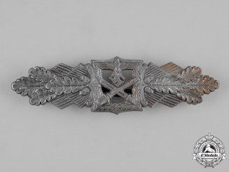 Germany, Wehrmacht. A Close Combat Clasp, Bronze Grade, by Funcke & Brüninghaus