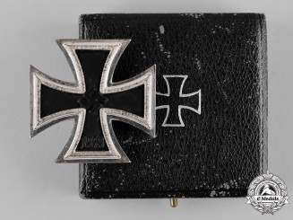 Germany, Wehrmacht. A 1939 Iron Cross, I Class, by Wächtler & Lange, with Case