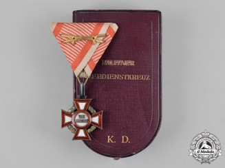 Austria, Imperial. A Military Merit Cross, III Class with War Decoration in Case, by V. Mayers' Söhne