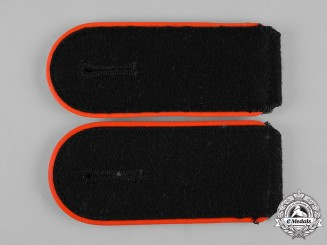 Germany, Waffen-SS. A Set of Mann Artillery Personnel Shoulder Straps