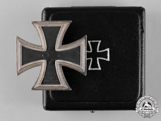 Germany, Wehrmacht. A 1939 Iron Cross, I Class, with Case