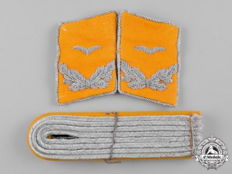 Germany, Luftwaffe. A Pair of Flight Lieutenant Rank Shoulder Boards & Collar Tabs
