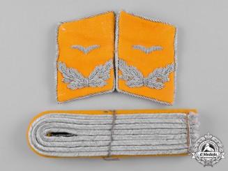 Germany, Luftwaffe. A Pair of Flight Lieutenant Rank Shoulder Boards & Collar Tabs
