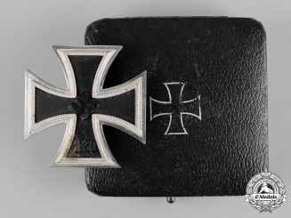 Germany, Wehrmacht. A 1939 Iron Cross I Class with Case