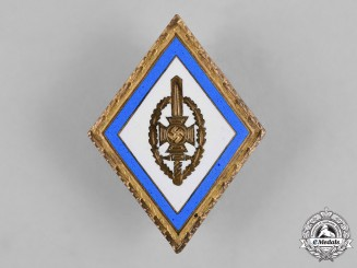 Germany, NSKOV. A National Socialist War Victims Care (NSKOV) Gold Honour Badge with Oak Leaves