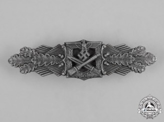 Germany, Wehrmacht. A Close Combat Clasp, Silver Grade, by Friedrich Linden