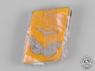 Germany, Luftwaffe. A Set of Lieutenant Rank Flyer Collar Tabs