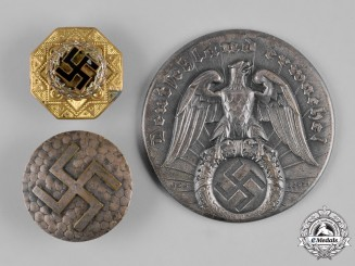 Germany, Third Reich. A Collection of Third Reich Patriotic Badges