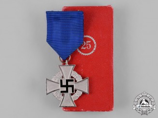 Germany, Third Reich. A Cased Civil Service 25-Year Faithful Service Medal, by Wächtler & Lange