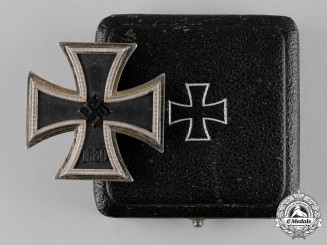 Germany, Wehrmacht. A Cased 1939 Iron Cross I Class, by C.F. Zimmermann, from the Dietrich Maerz Collection