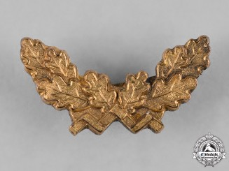 Germany, Wehrmacht. An Oak Leaf Clasp to a Wehrmacht Long Service Cross