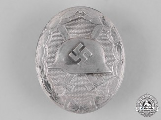 Germany, Wehrmacht. A Wound Badge in Silver by Fritz Zimmermann