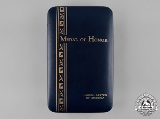 United States. A Medal of Honor Case, by Arrow