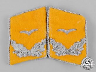 Germany, Luftwaffe. A Set of Luftwaffe Flight Personnel Leutnant Collar Tabs