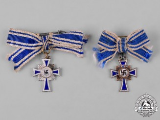Germany, Third Reich. A Pair of Miniature Honour Crosses of the German Mother