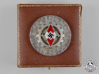 Germany, HJ. A 1938 National Trade Competition (Reichsberufswettkampf) Victor's Medal, with Case