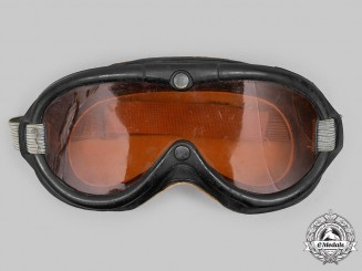 United States. A Set of US Army Air Forces B-8 Goggles, by Polaroid