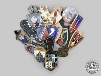 France, V Republic. Lot of Fifteen Regimental Badges
