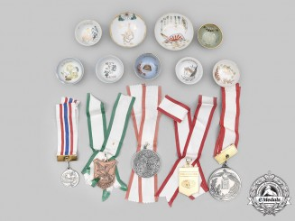 Japan, Empire. A Lot of Nine Saki Cups and Five Competition Medals