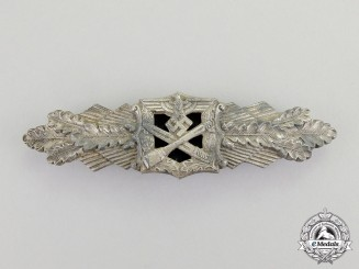 Germany. A Silver Grade Combat Clasp by Hymmen & Comapny; Published Example