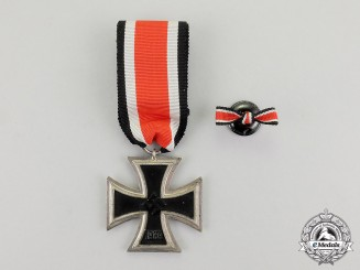Germany. An Iron Cross 1939 Second Class with Boutonniere by Julius Maurer of Oberstein