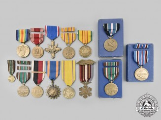 United States. Lot of Fourteen Medals