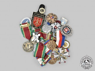 Czechoslovakia, Socialist Republic; Slovakia, Republic. Lot of Nineteen Medals and Badges